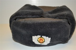 BRAND NEW EAST-GERMAN MILITARY SHAPKA WITH BADGE.